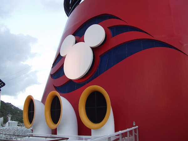 Disney Cruise Line announces it's holiday festivities